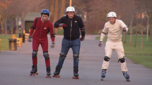 Joey, Diags and Arg go rollerblading