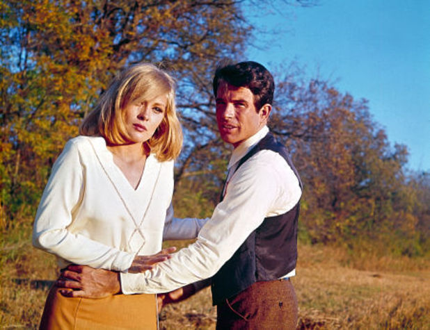 Bonnie (Faye Dunaway) and Clyde (Warren Beatty)