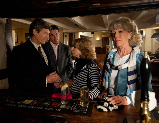 After attempting to power walk and stopping in at a country pub, Audrey and Gail bump into Lewis Archer