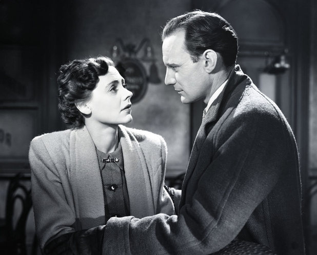 Alec (Trevor Howard) and Laura (Celia Johnson)