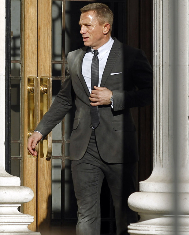 Daniel Craig films in London