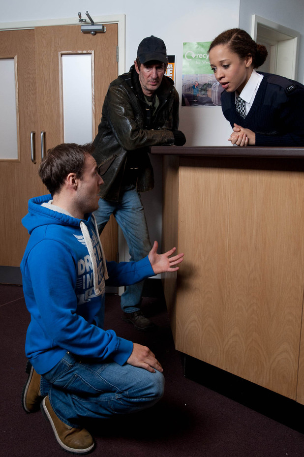 Tyrone arrives at the police station, begging Kirsty for a second chance. She tries to ignore him but gets a shock when a desperate Tyrone gets down on one knee and proposes