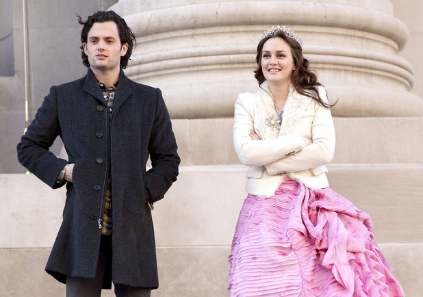 Penn Badgley and Leighton Meester on the set of 'Gossip Girl' filming on location in Manhattan. New York City