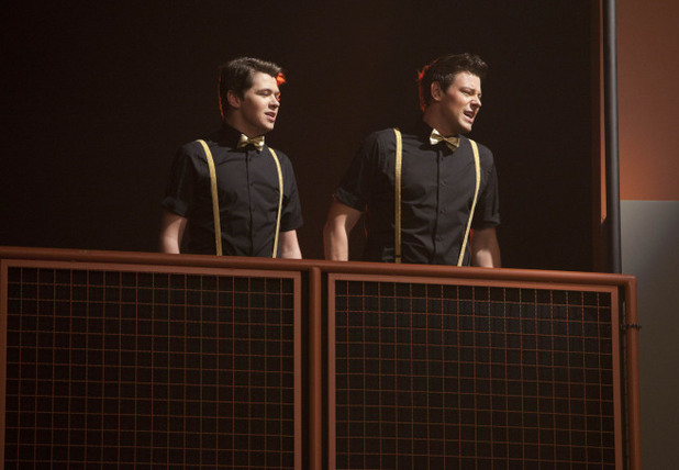 Glee S03E14 - 'On My Way'
