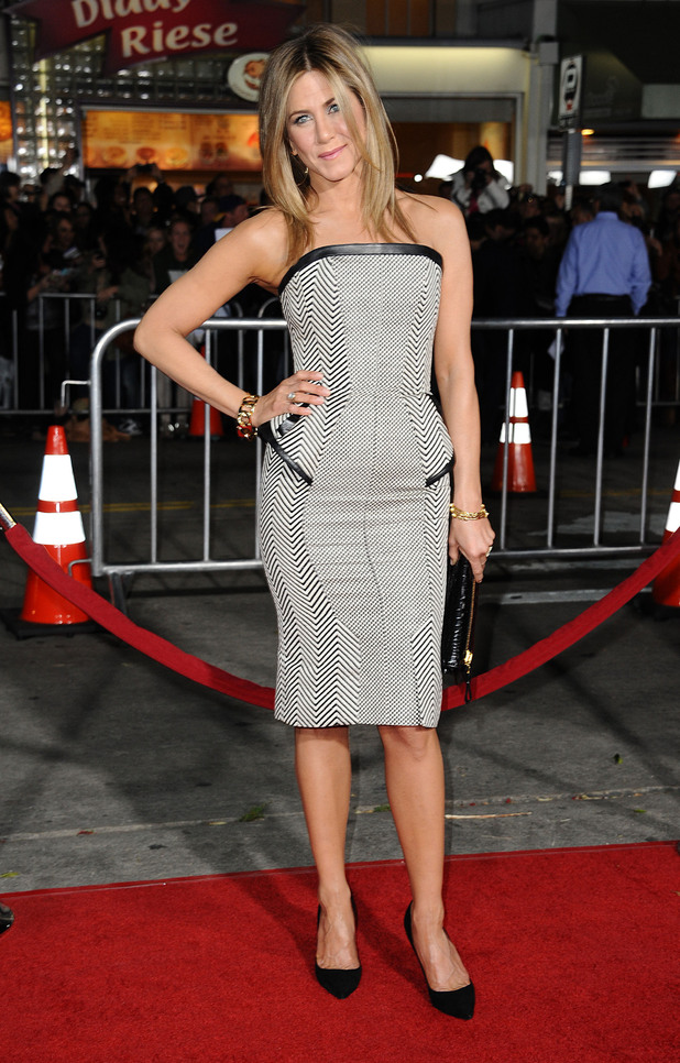 Jennifer Aniston attends the 'Wanderlust' film premiere