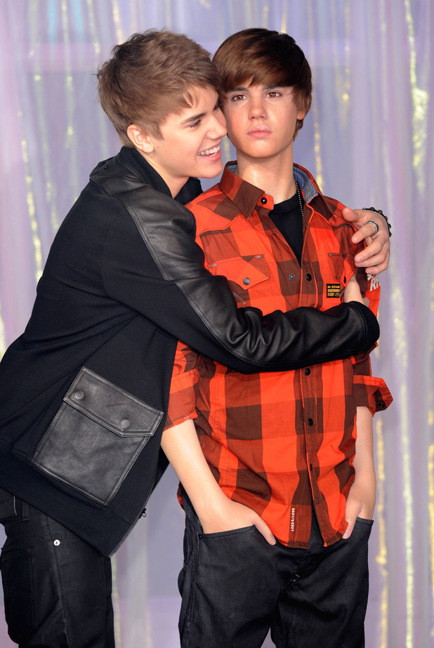 Justin Bieber unveils his waxwork model