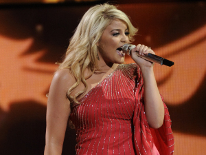 American Idol Season 11: Lauren Alaina performs