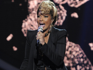 American Idol Season 11: Mary J Blige performs