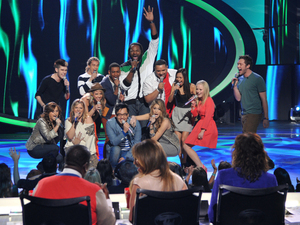 Vote for your favorite singer from this week's American Idol performance show.