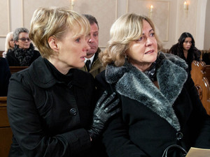 Its the day of Frank's funeral and Carla insists on attending to see his body gone once and for all. Michelle accompanies her to the funeral where Sally is sat by Anne's side