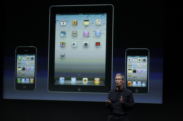 Tim Cook, iPad, iPhone