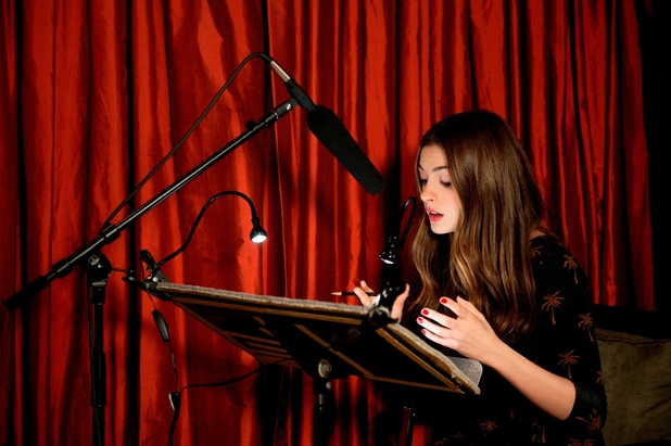 Anne Hathaway recording The Wizard of Oz for audible.co.uk