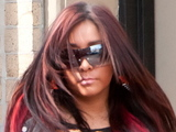 Snooki wearing her engagement ring