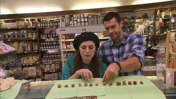 The Amazing Race: S20E04: 'Taste Your Salami'
