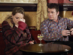 Roxy confides in Alfie about her near-affair with a married man.