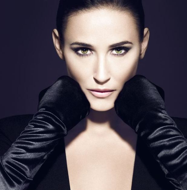 Airbrushed Demi Moore pictures for Helena Rubinstein released