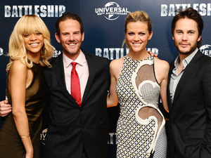 Rihanna, Taylor Kitsch, Brooklyn Decker, Peter Berg