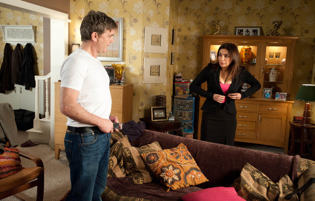 Karl returns to Sunita and breaks down over his mistakes. Sunita tries to comfort an emotional Karl, who tries to move in for a kiss