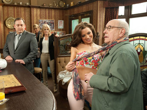 Tommy gets a shock when he learns his dad Terry is working for a lap-dancing club, as a dancer arrives in the Rovers to audition, giving Norris a free dance