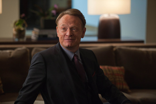 Jones (guest star Jared Harris)