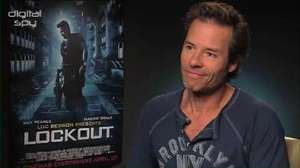 Guy Pearce 'Lockout' interview