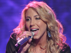 American Idol - The Top 7 perform - Elise Testone