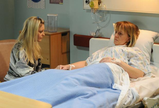 Mandy Salter (Nicola Stapleton) visits Lorraine Salter (Victoria Alcock) in hospital