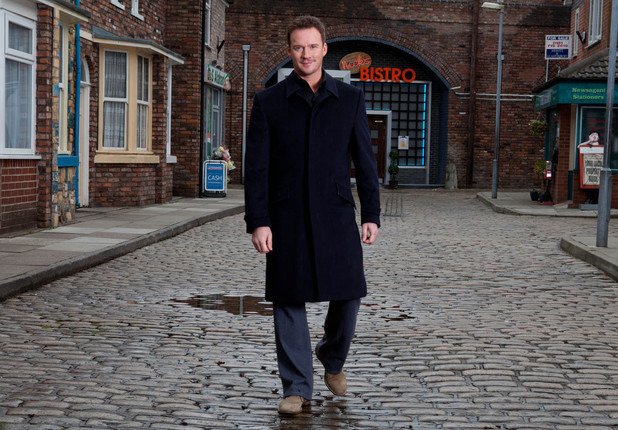 Russell Watson unveiled as the star guest performer for the World Premiere of Coronation Street's live musical event, Street of Dreams