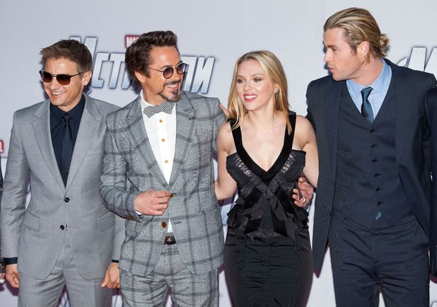 Jeremy Renner, Robert Downey Jr, Scarlett Johansson and Chris Hemsworth
