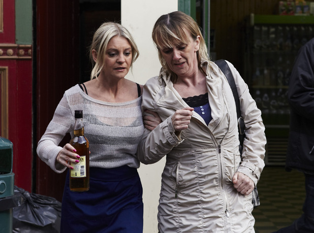 Mandy tries to get rid of Lorraine when she arrives back in Albert Square.
