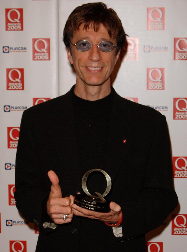 Robin Gibb displays displays the Lifetime Achievement Award
