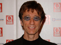 Bee Gee Robin Gibb has had a blue plaque unveiled in his honour at his former home.