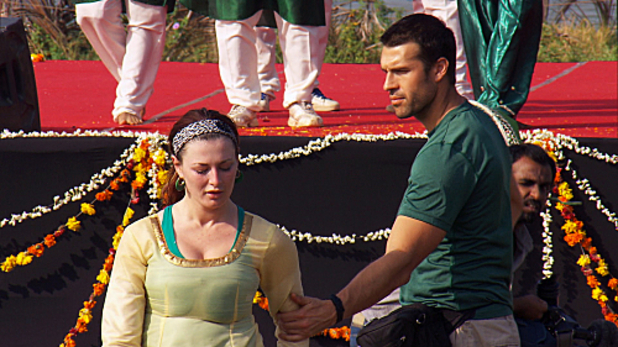 The Amazing Race S20E09: 'Bollywood Travolta'