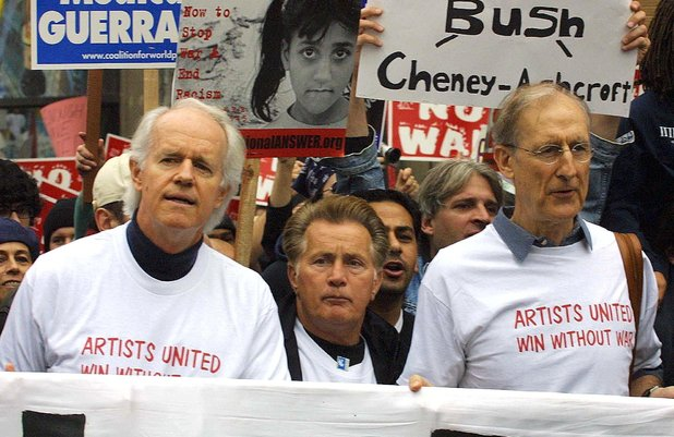James Cromwell, Martin Sheen, protest