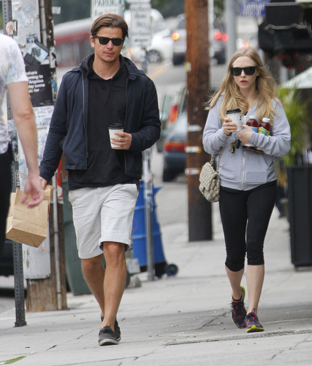 Josh Hartnett and Amanda Seyfried