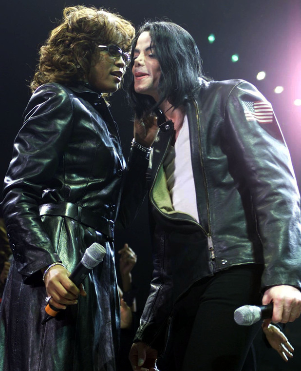 Whitney Houston and Michael Jackson in 2000Whitney Houston And Michael Jackson Kissing