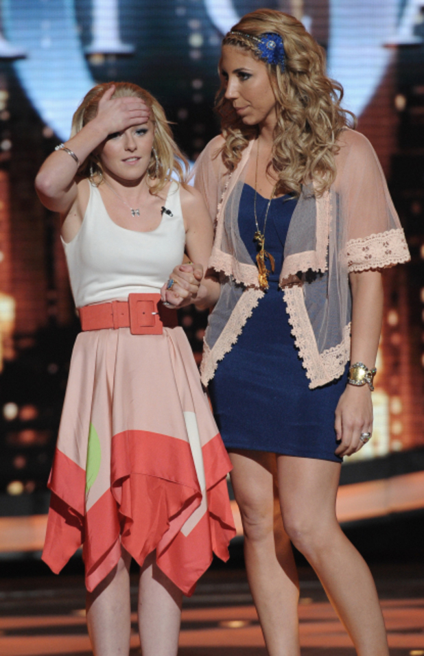 American Idol: Top 6 Elise Testone  and Hollie Cavanaugh 