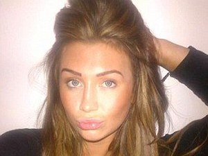 Lauren Goodger, twitter