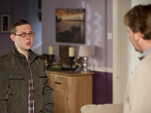Ben Mitchell (Joshua Pascoe) confesses to Ian Beale (Adam Woodyatt)