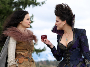 Once Upon A Time s01e21: &#39;An Apple Red As Blood&#39;