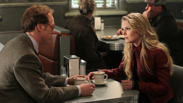 Once Upon A Time s01e21: 'An Apple Red As Blood'