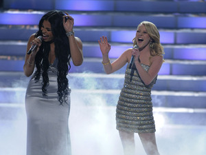 'American Idol' final: Hollie Cavanagh sings with Jordin Sparks