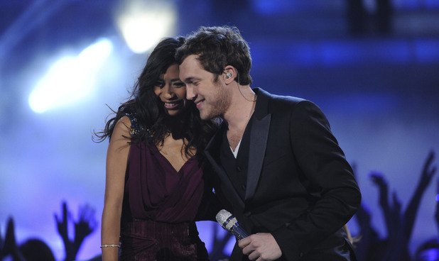 'American Idol': Jessica Sanchez and Phillip Phillips hug one another at the end of their last duet