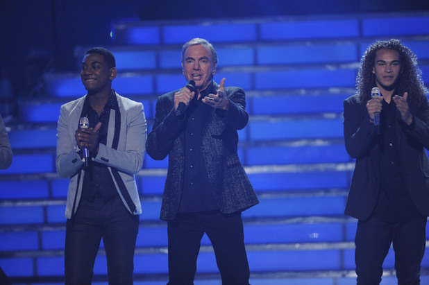Neil Diamond joins the season's male hopefuls to sing 'Sweet Caroline'.