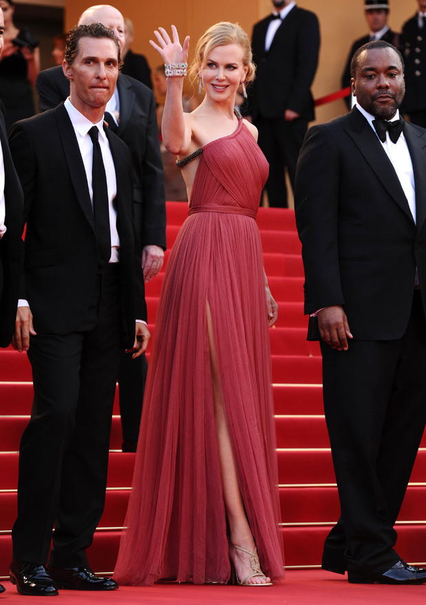 'The Paperboy' premiere: Nicole Kidman greets the crowd.