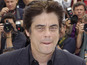 Benicio Del Toro compares Savages helmer Oliver Stone to a sports coach.