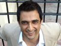 Filmmaker Sanjay Suri says Indian cinema should target a world market.