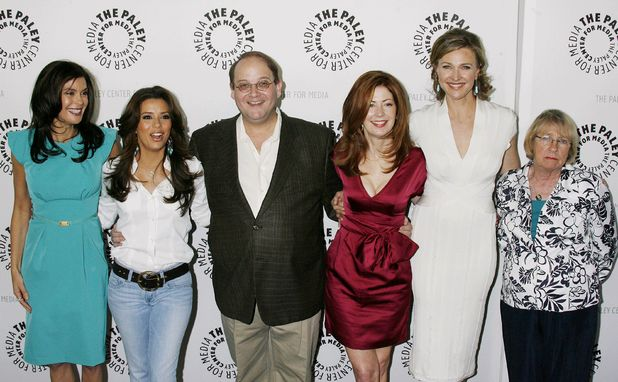 Kathryn with the Desperate Housewives cast in 2009.