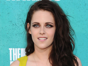 Kristen Stewart on the red carpet at the MTV Movie Awards 2012