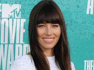 Jessica Biel on the red carpet at the MTV Movie Awards 2012